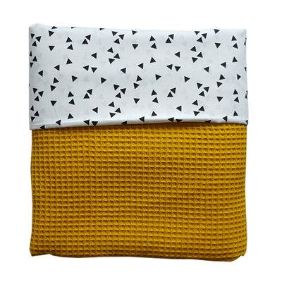 Ledikant deken wafelstof oker/triangle wit