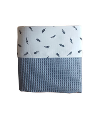 Ledikant deken wafelstof oud blauw/veren